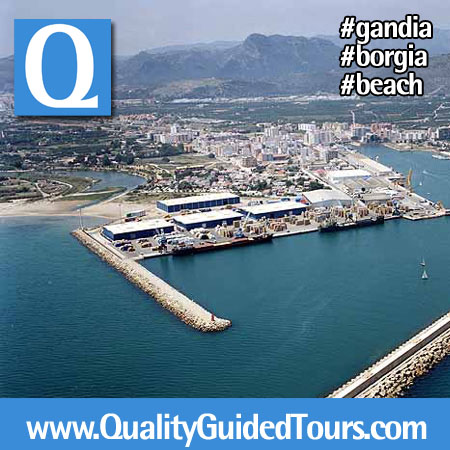 Gandia beach-harbour